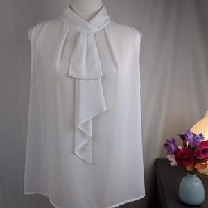 Esley Bow Front Sleeveless Blouse M